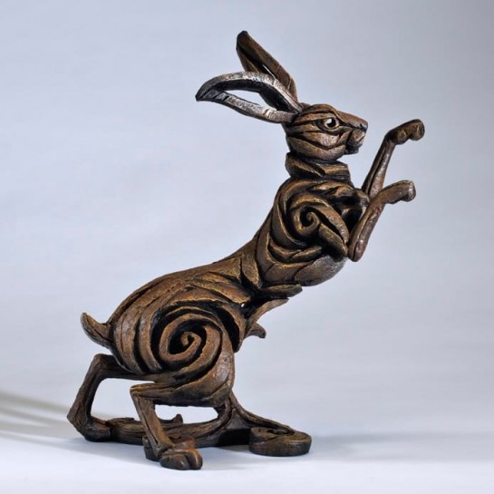 Edge Sculpture Boxing Hare