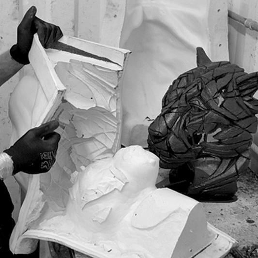 De-moulding a Panther bust